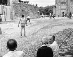 Palla a pugno in piazza del Pallone a Bubbio