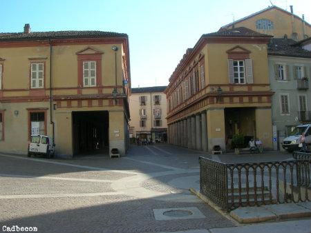 Piazza della Bollente:  Raduno di auto e moto d'epoca
