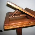 Turismo: Gadget per gruppi: Leggio in legno