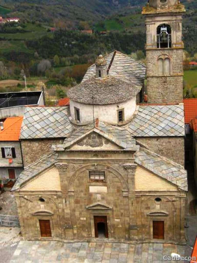Roccaverano, borgo storico con la parrrocchiale