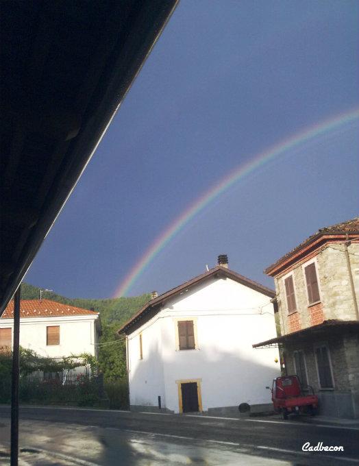 Langhe-Monferrato: Borgata Giarone: Arcobaleno