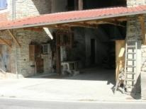 Ingresso Ca d' Becon: la vecchia segheria in ghisa-cemento del nonno