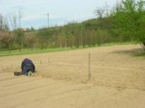 Semmina delle patate Aprie 2013. Le continue piogge ci hanno costretto oltre che ad un ritardo di 15 giorni a fare le corse fra una goccia e l'altra