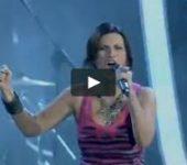 Sanremo 2018: La Pausini si emoziona con Baglioni