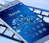 L'era dei Social: la legge di compensazione degli opposti