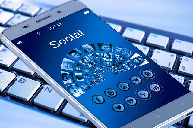 Social media e società